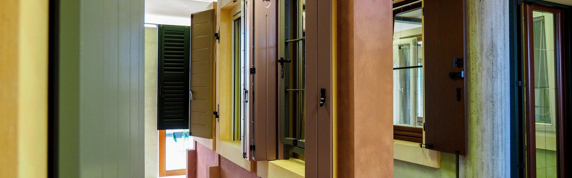 Finestre pvc verona e mantova realizzate in pvc o alluminio - Finestre pvc costo ...